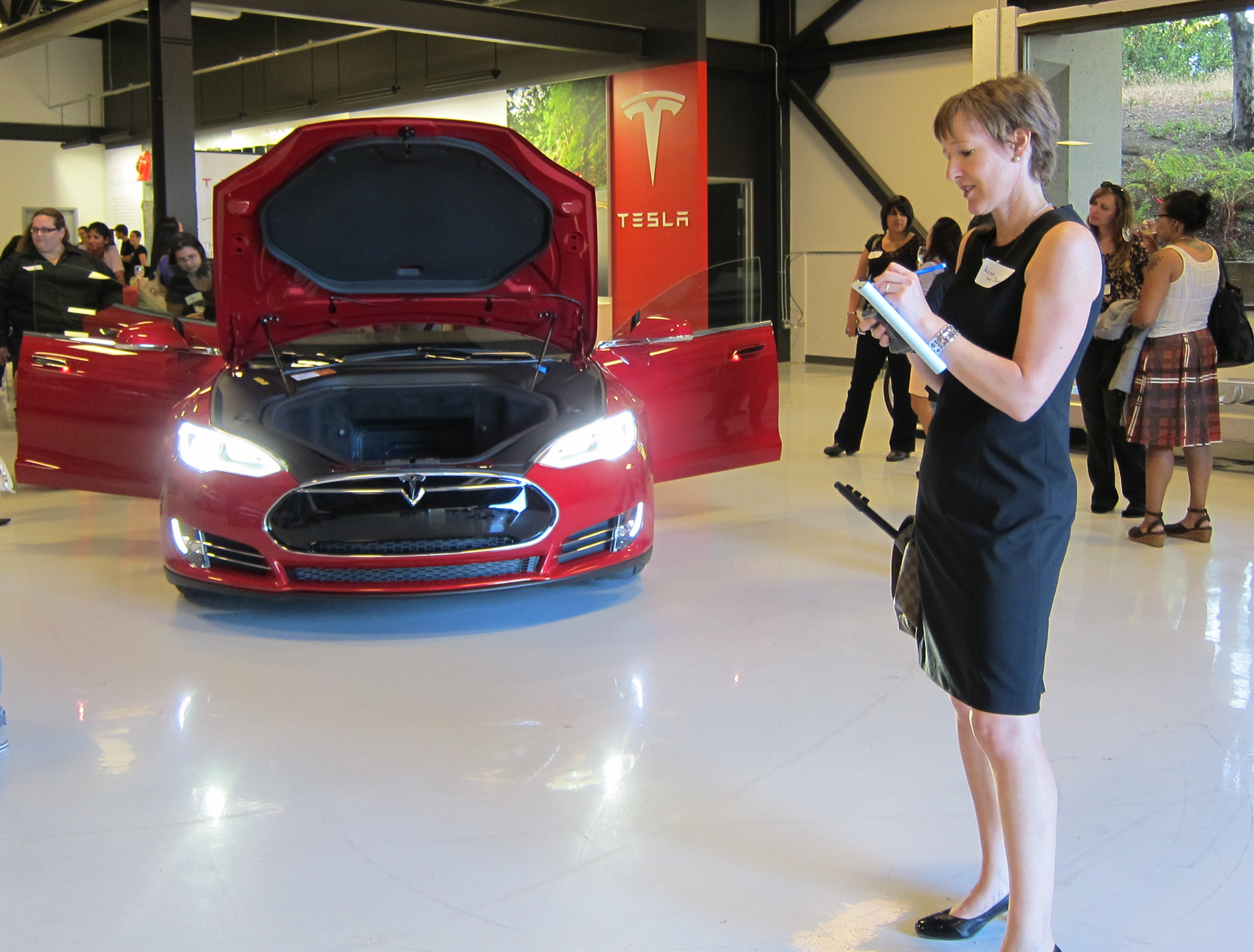 Girl Geeks Descend On Tesla In Silicon Valley Fresh