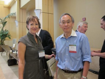 Steven Chu shares cooking tips with Alison van Diggelen of Fresh Dialogues