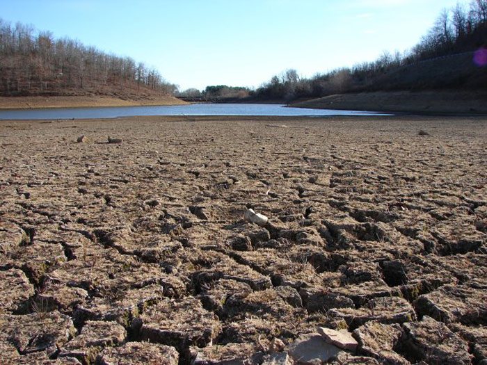 California_Drought_Dry_Riverbed_Photo: Wikimedia