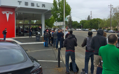BBC Dialogues: Is The Tesla Model 3 Launch an iPhone Moment for the Auto Industry?